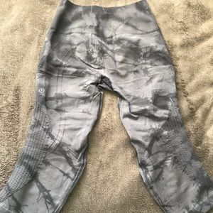 lululemon athletica Pants - Tie-dye Lululemon Flow Capri